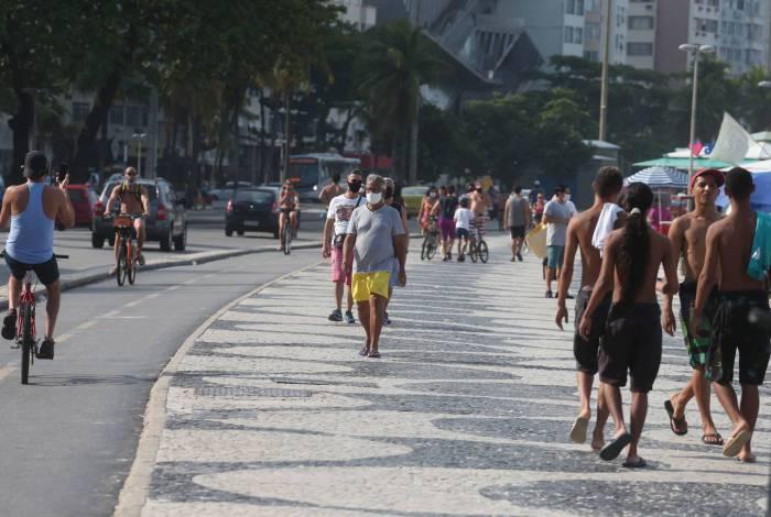 COVID-19 -CORONAVIRUS,COPACABANA, movimentaçãoo na praia de Copacabana