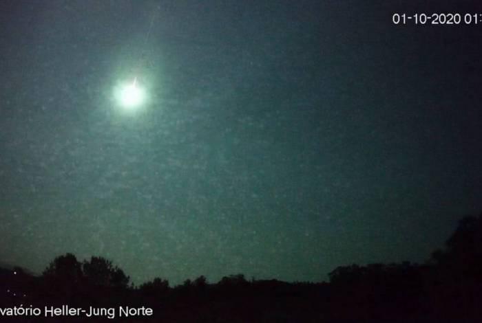 Meteoro tinha luminosidade maior que o da Lua