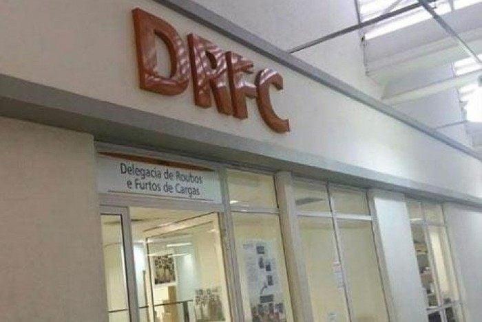 A DRFC vem atuando em uma Força-Tarefa junto com outras delegacias distritais e especializadas, com o objetivo de investigar e prender criminosos do Complexo da Maré
