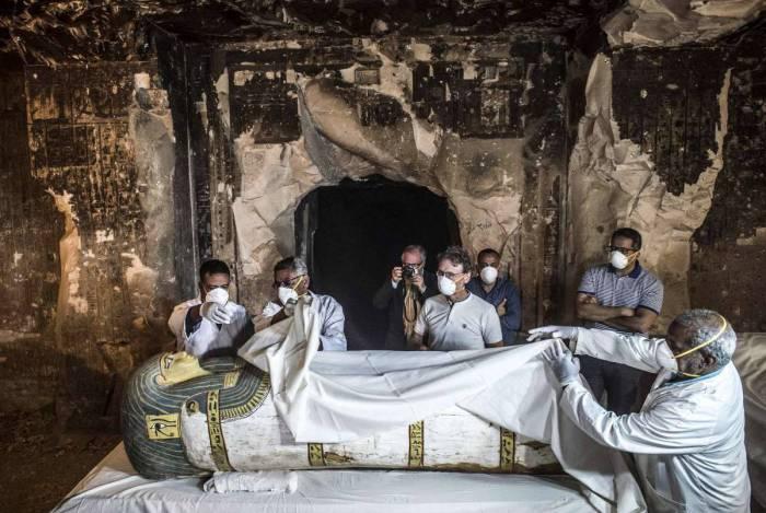 Egito descobre sarcófagos históricos