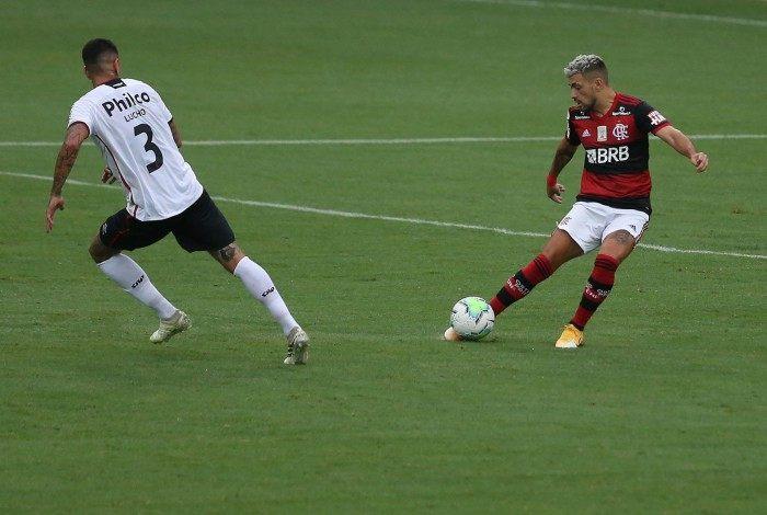 Campeonato Brasileiro - rodada 13 - FLAMENGO x ATHLETICO-PR. Na foto Arrascaeta. Foto de Daniel Castelo Branco.