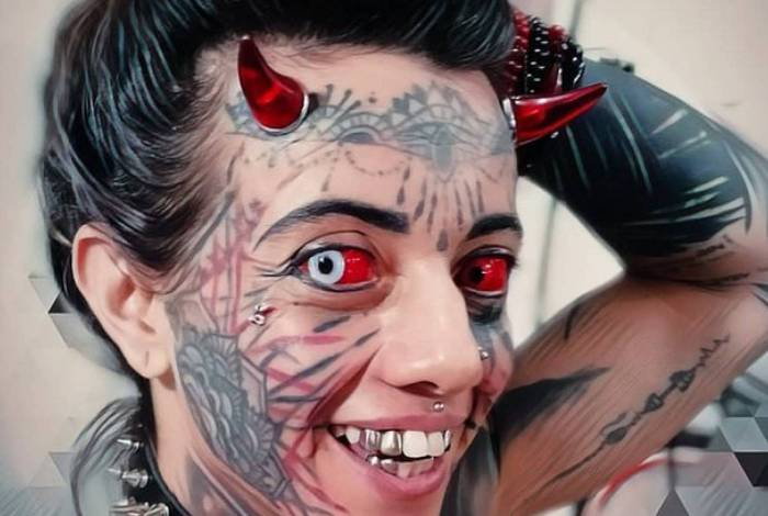 Mulher Demônia e Diabão se defendem após ataques: 'Somos obras primas'