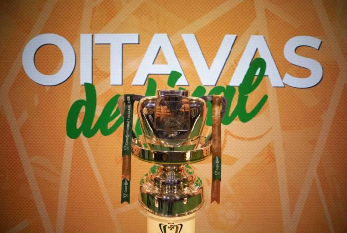 Troféu da Copa do Brasil, atual objeto de desejo para 16 clubes no país