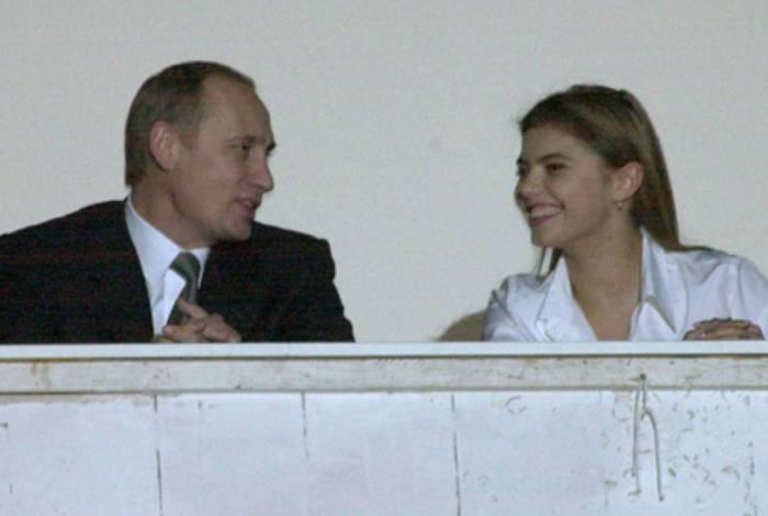 Putin é apontado como pai dos gêmeos da ginasta