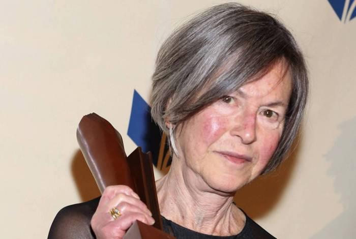 Louise Glück nasceu em 1943 em Nova York, e atualmente vive em Cambridge, Massachusetts