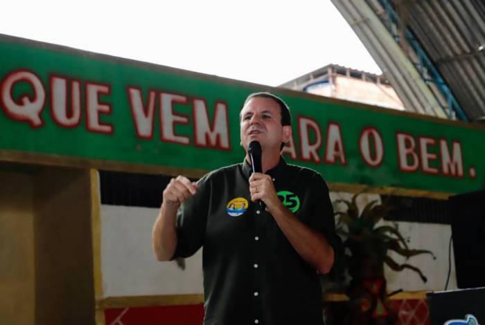 Candidato Eduardo Paes diz que fará ações emergenciais no BRT