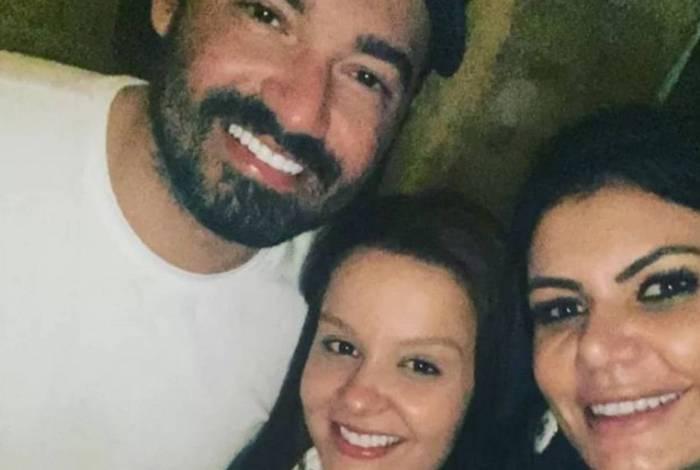 Maiara e Fernando tiraram foto com fã em restaurante