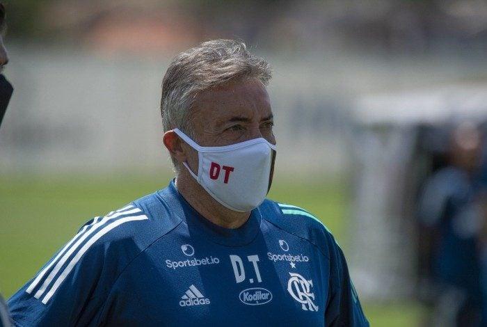 Dome comandará o Flamengo contra o Corinthians