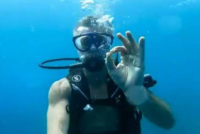 Fábio Assunção em mergulho