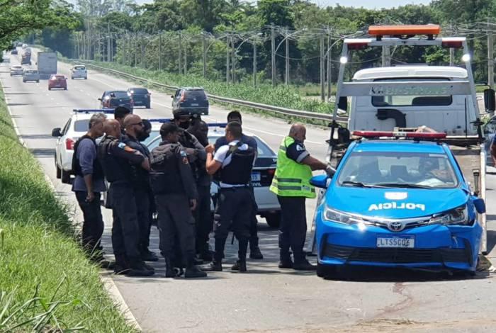 Confronto na Avenida Brasil acaba com PM morto e motorista baleado