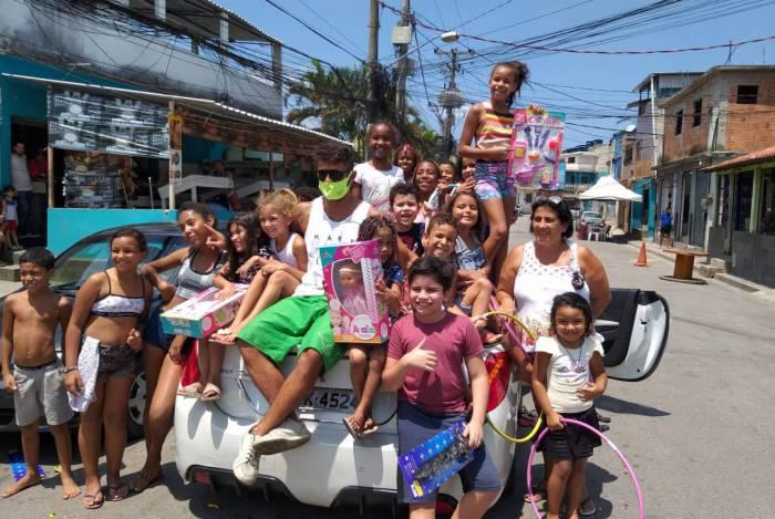 Dono do conversível, Will fez a alegria das crianças na comunidade da Preguiça