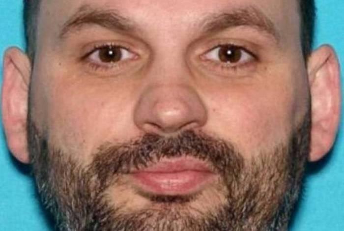 Nicholas Mitchell foi preso por suspeita de colocar lâminas de barbear em pizzas