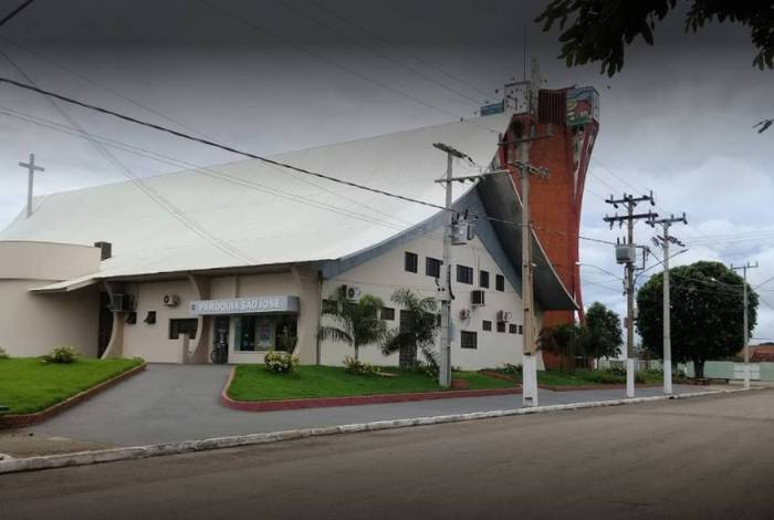 Igreja matriz em São José dos Quatro Marcos