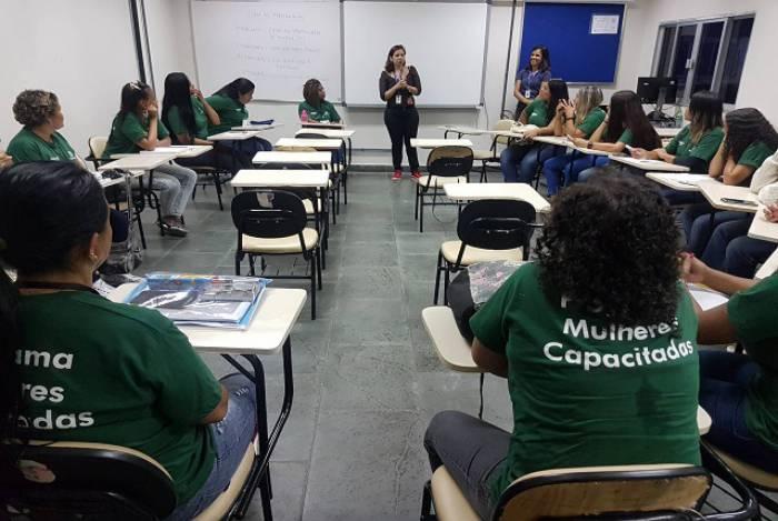 Todas as alunas são moradoras da Ilha da Conceição, base da multinacional americana Baker Hughes