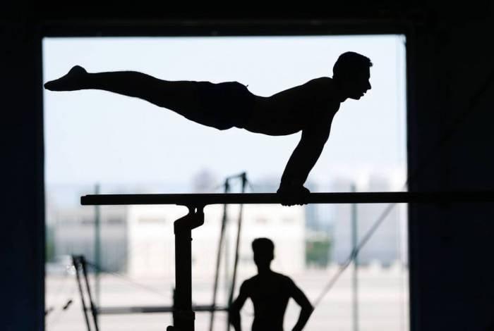 Rio de Janeiro - Atletas da seleção brasileira de ginástica artística, categorias adulto e juvenil, treinam no Centro de Treinamento do Time Brasil, no Parque Olímpico. (Foto: Fernando Frazão/Agência Brasil)