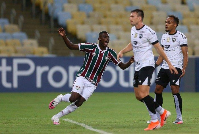 Fluminense x Ceara  - Campeonato Brasileiro - rodada 17 . Estádio Maracana.  Gol de Luiz Henrique ( 34 ) ATA