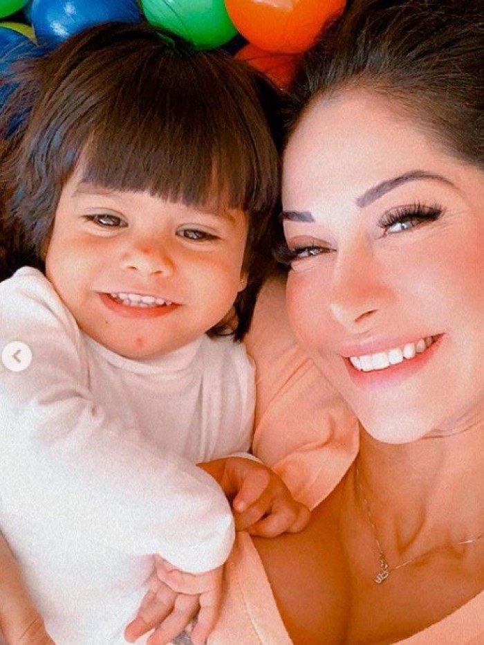 Mayra Cardi e a filha, Sophia