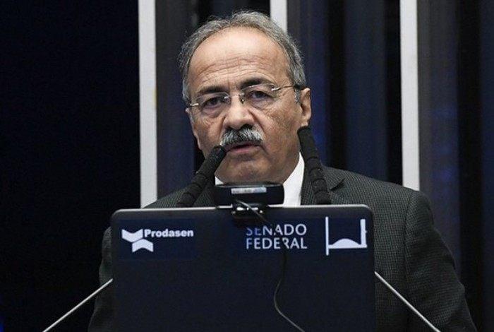 Senador Chico Rodrigues (DEM-RR) foi flagrado escondendo R$ 33 mil na cueca