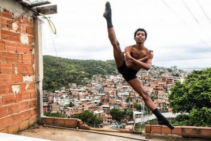 Luís Fernando Rego morou na comunidade Nova Brasília, no Alemão, onde se apaixonou pelo balé