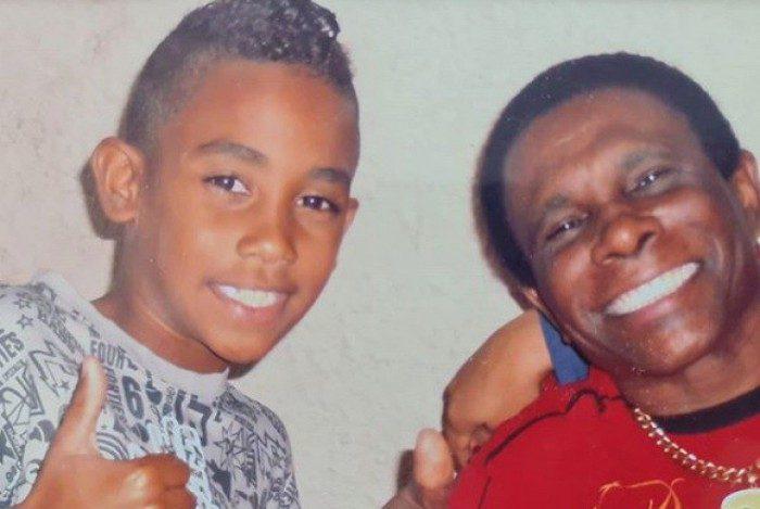 Neguinho da Beija-Flor e seu neto Gabriel Marcondes, morto no último domingo em confronto da PM com criminosos ,