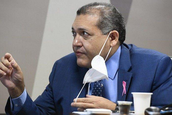 Kassio Nunes durante comissão do Senado