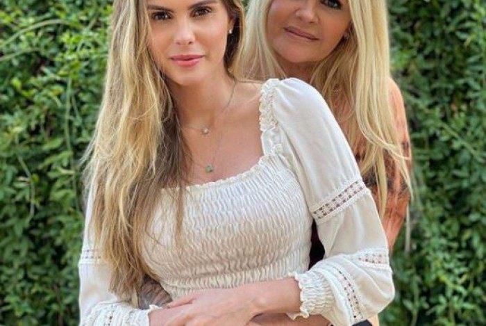 Monique Evans e a filha Bárbara Evans