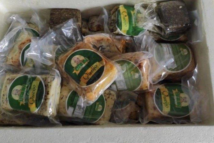 Denar apreendeu 32 quilos de maconha que estava escondido dentro de queijos