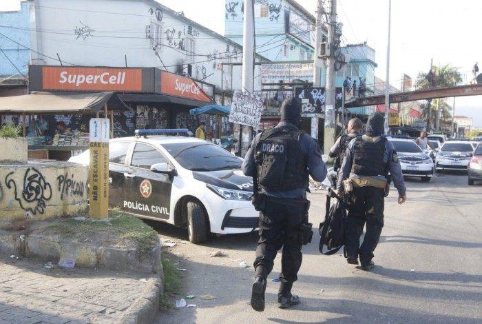 Polícia Civil faz megaoperação nas comunidade Nova Holanda e Parque União, no Complexo da Maré