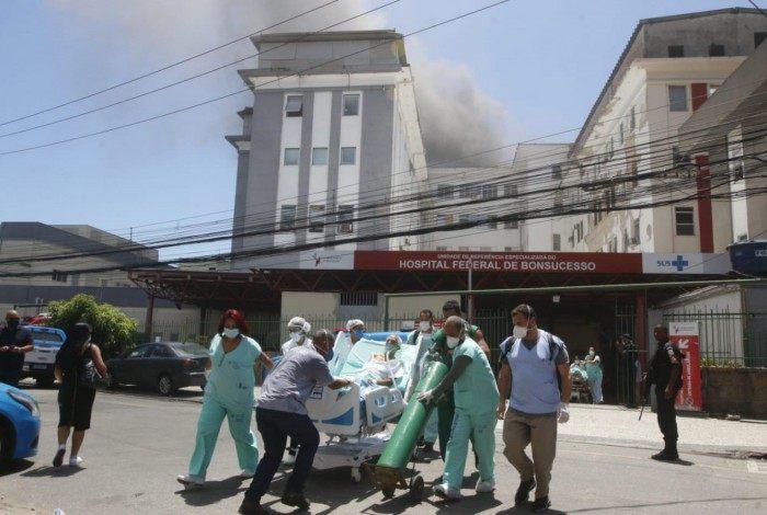Pacientes foram transferidos da unidade após incêndio que atingiu o prédio 1