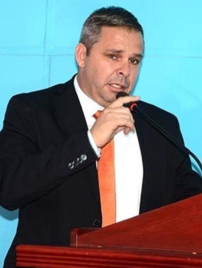 Marcinho Bombeiro (PSL), concorre ao cargo de vereador pela quarta vez em Belford Roxo (RJ)