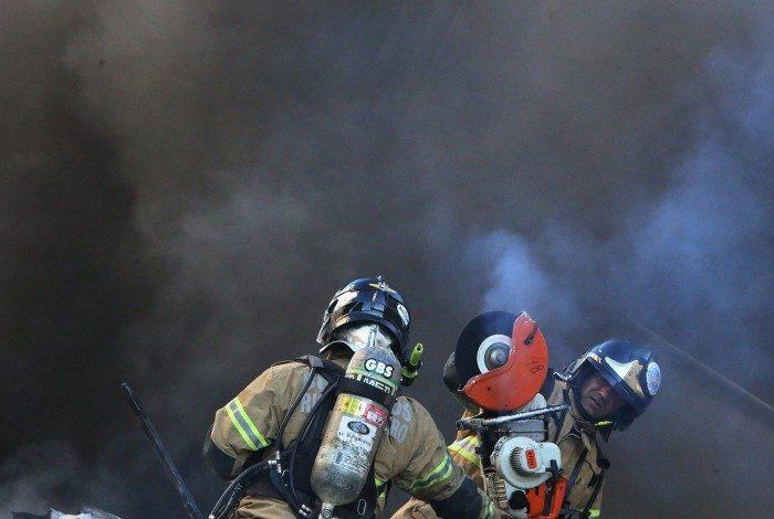 Incêndio no Hospital Federal de Bonsucesso, Rio de Janeiro.