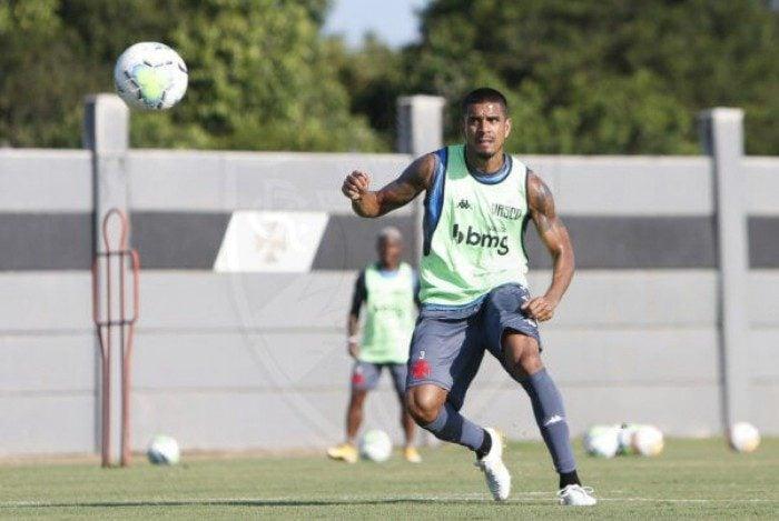 Revelado pelo Flamengo, Léo Mattos 'recomeça', aos 34 anos, no Vasco, maior rival do ex-clube