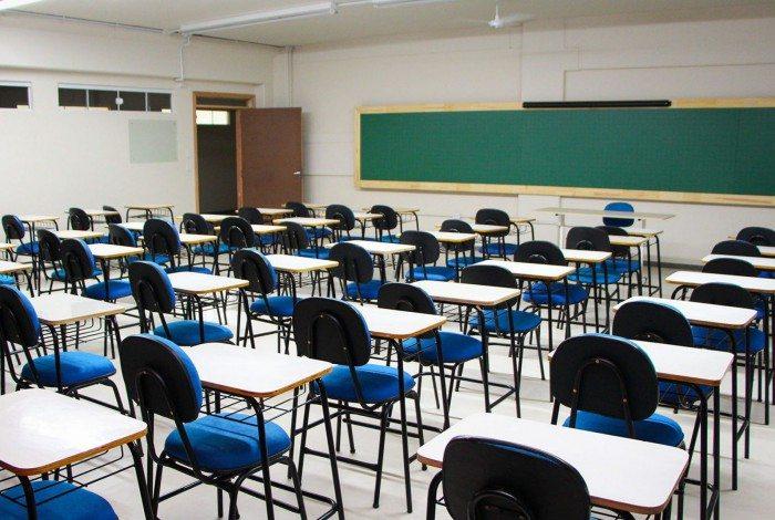 Porém as atividades presenciais para alunos dos demais anos escolares permanecem suspensas até 30 de dezembro