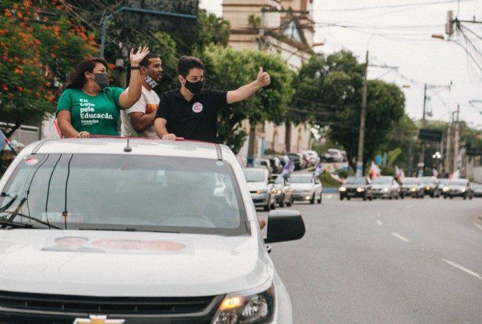Isaac Ricalde e Ana Cardinal em carreata que reuniu mais de 100 veículos de apoiadores e eleitores