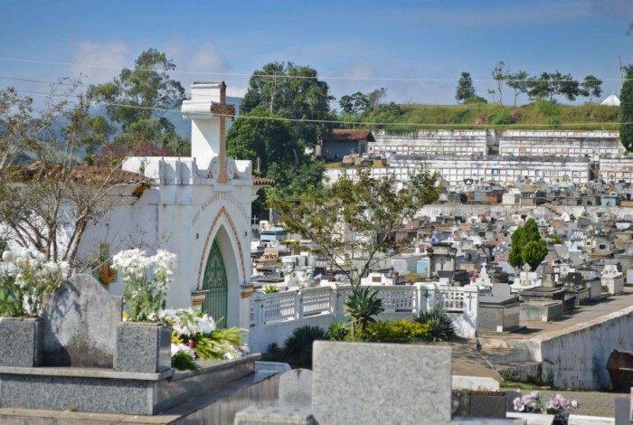 Cemitérios de Teresópolis terão entrada controlada e uso de máscara é obrigatório