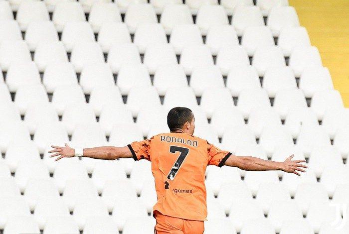 Recuperado, Cristiano Ronaldo voltou com fome de bola e marcou dois gols na goleada sobre o Spezia