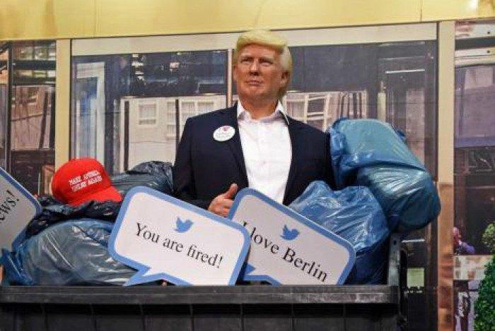 Museu de cera de Berlim coloca estátua de Trump no lixo