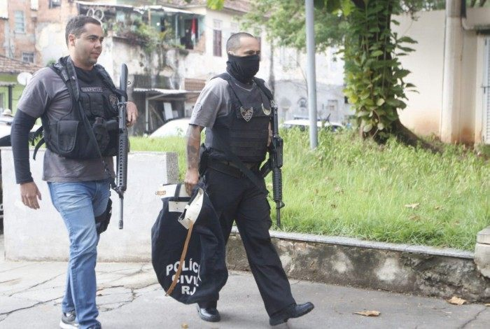 Polícia Civil faz operação contra quadrilha que frauda bilhetes na Supervia