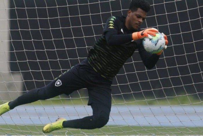 Saulo falhou no jogo contra o Bahia, mas foi salvo pelo VAR