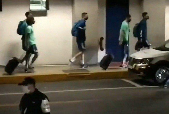 Flamengo desembarca após goleada