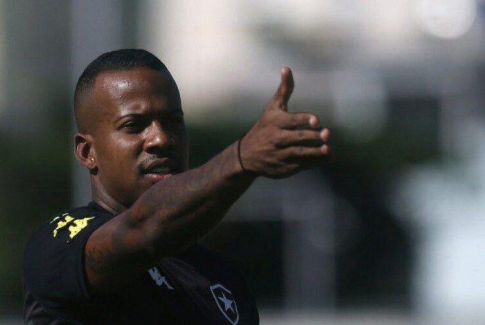 Guilherme Santos, lateral-esquerdo do Botafogo
