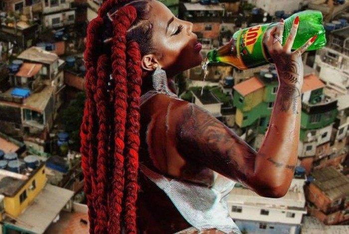 Ludmilla rebate críticas de capa do clipe 'Rainha da Favela'