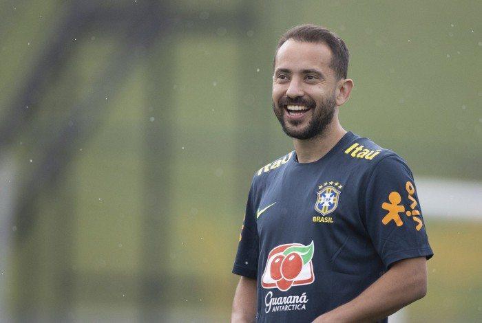 Treino da Seleção Brasileira na Granja Comary 11-11. Everton Ribeiro