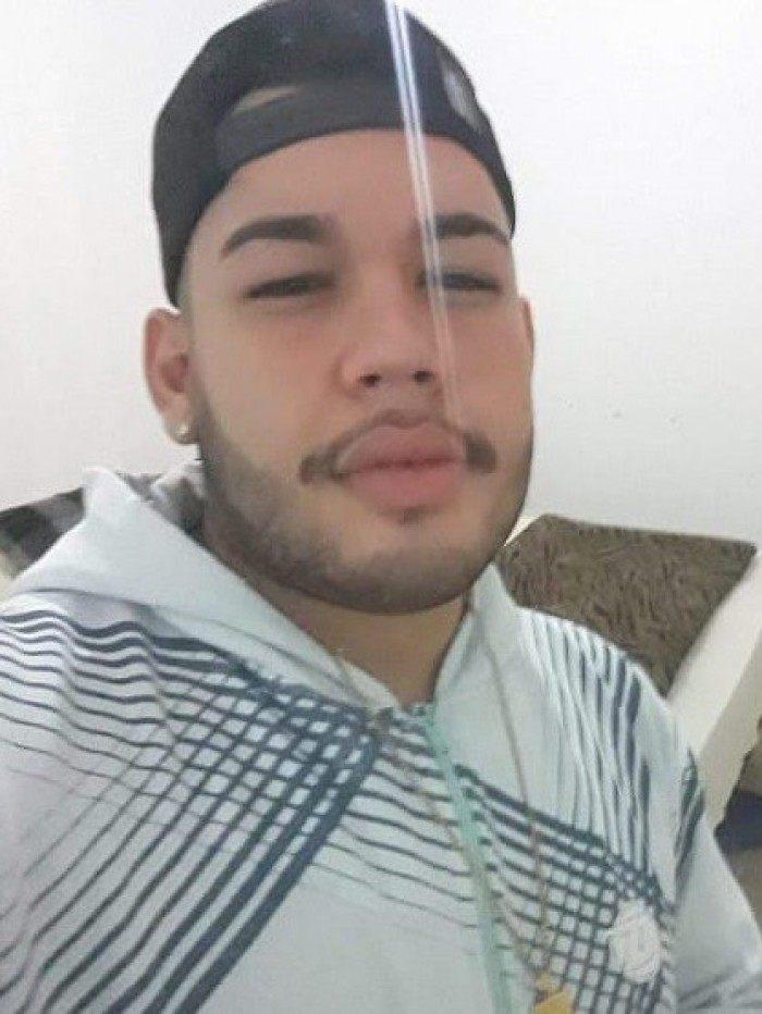 Thiago Azevedo foi morto por um policial militar enquanto brincava com uma arma de brinquedo