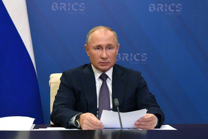 Presidente russo Vladimir Putin em reunião virtual da cúpula dos Brics