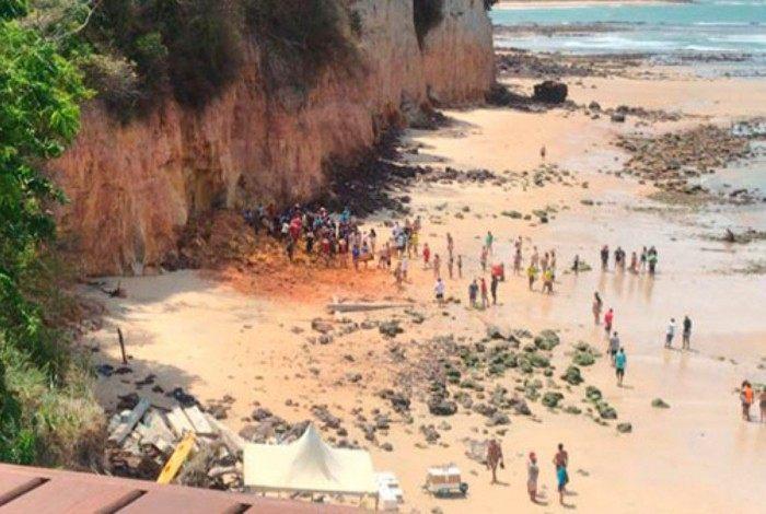 As vítimas foram soterradas após o deslizamento