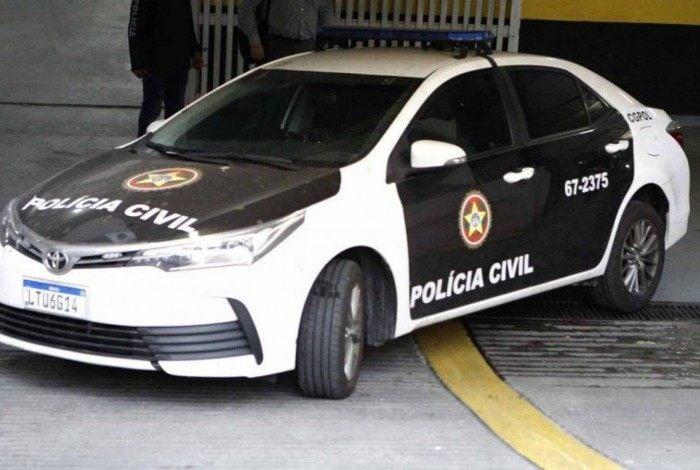 Agentes da Polícia Civil cumpriram um mandado de prisão em aberto contra o estelionatário