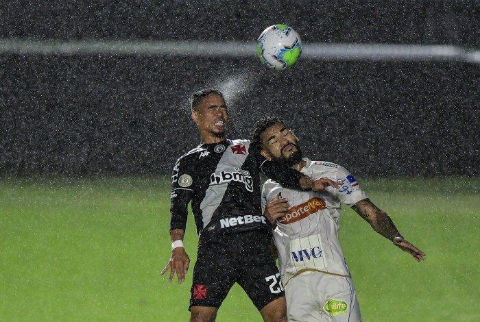 Jackson, no Fortaleza, atuando contra o Vasco