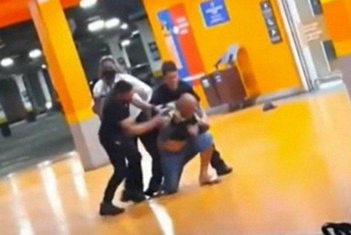 Homem negro foi espancado até a morte em unidade do Carrefour em Porto Alegre