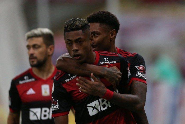 Flamengo derrotou o Coritiba por 3 a 1